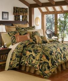 La Selva Comforter Set